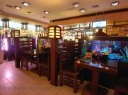 Dekorativnyj-akvarium-v-restorane